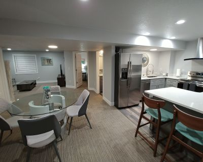 Luxury 900sf 2 Bedroom, full kitchen, Private Entry at Denver International - Green Valley Ranch