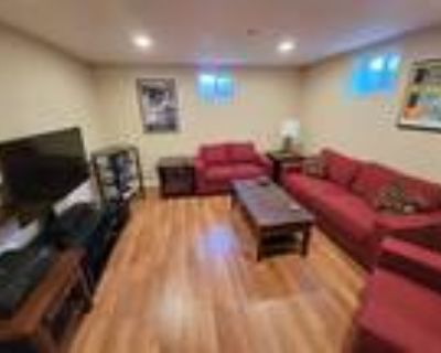 Roommate wanted to share 5+ Bedroom 3 Bathroom House...