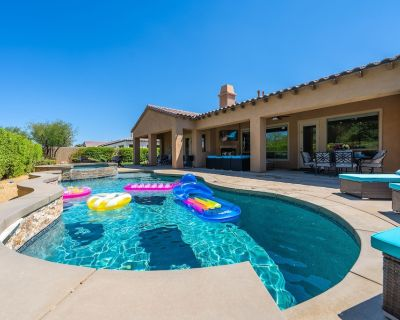 Resort Style Tuscan Living w/ Spa Pool & Firepit - Indio