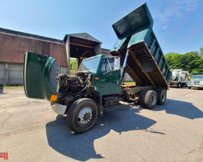 1991 INTERNATIONAL 4900 Dump Trucks Truck