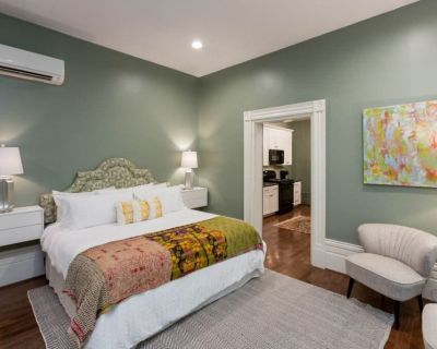 NEW ADA Apt in Historic House in Central Downtown - Downtown Louisville