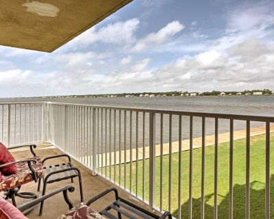 Waterfront Gulf Shores Condo w/Patio, Pier & Pool - Gulf Shores