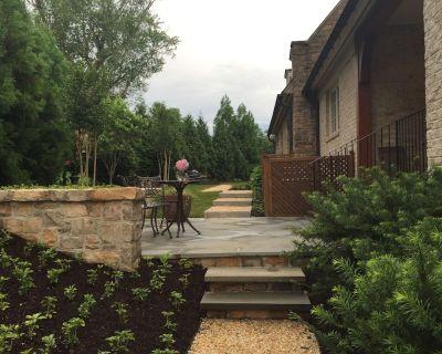 English Basement Apartment W/Private Entrance - Travilah