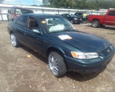 Salvage Green 1998 Toyota Camry