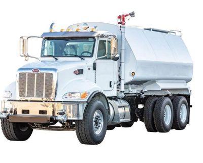 2022 PETERBILT 348 Water Trucks Truck