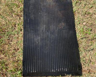 Passenger rear floor mat original 111863732E