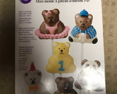 Wilton mini 3D stand up bear cake pan