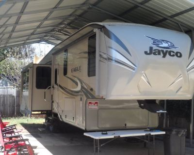 2017 34' Jayco Eagle 321 RSTS