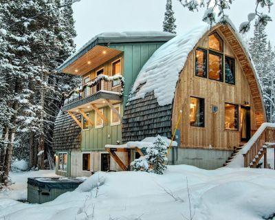 Mountain lodge w/hot tub, game room/home theater/private balcony/patio/WiFi! - Salt Lake Mountain Resorts
