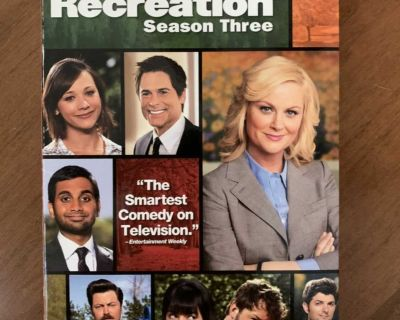 Parks and Recreation Complete Season 3 DVD Set