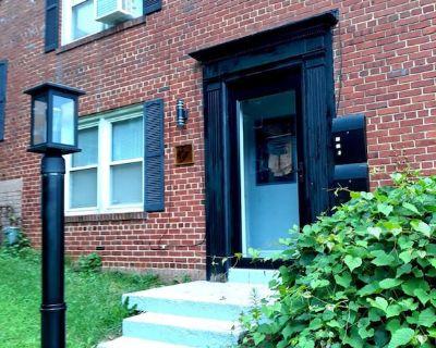 Charming, Cozy & Convenient 2 BR, 1 Bath Duplex On Metro Line w/Free Parking! - Northeast