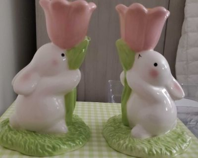 Hallmark new rabbit set of 2 candle holders with pink tulips