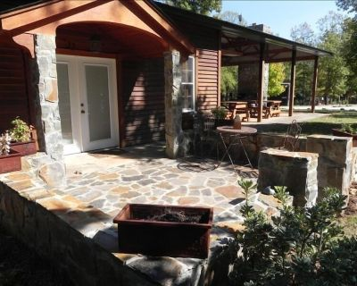 One Bedroom Private Getaway with Lake Access - Cross Hill