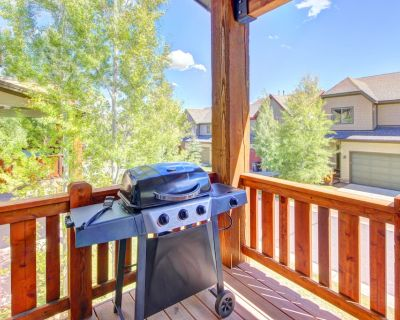 Modern mountain lodge w/ private hot tub & access to a shared pool and gym! - Bear Hollow Village