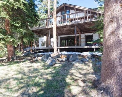 Entire Home! Creekside Vintage Chalet, Walk to Slopes, Best Location in Town! - Vail