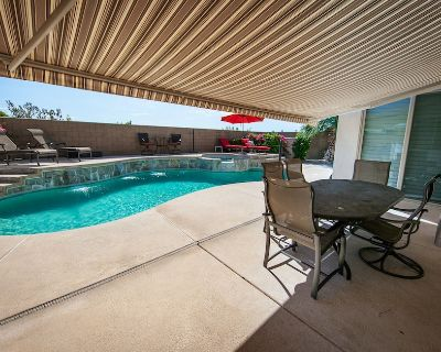 Beautiful Relaxing Home with pool ,spa and mountain view ,quiet neighbor hood - Cathedral City