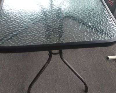 Very nice rod iron glass outside inside table. Excellent shape