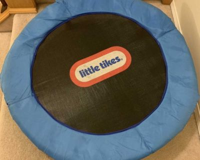 Little tikes kids trampoline with handle