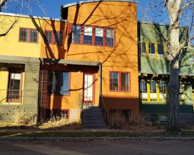 Townhouse near coffee shops/dining w/1 gig wifi - Longmont