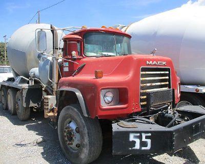 2004 MACK DM690S Concrete Mixer, Pump Trucks Truck