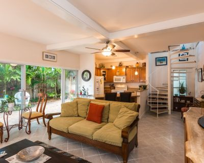 Tropical Garden Oasis - Treetop Cottage - Key West Historic District