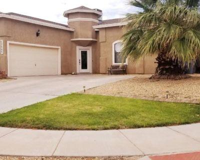 Desert Oasis - Entire Beautiful Home!! - El Paso
