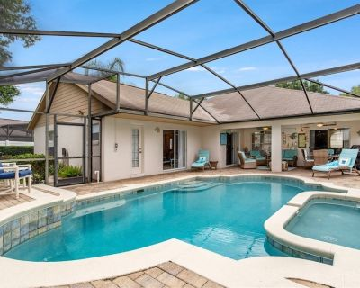 Stunning 4 Bed, 3 bath villa with southwest facing pool and spa - Orange Tree