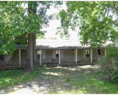 3 Bed 1.0 Bath Foreclosure Property in Mobile, AL 36618 - Clear Creek Dr