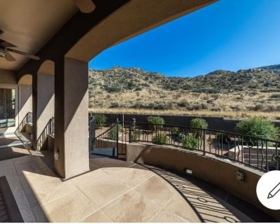 Views from every room & access to hiking/biking trails from your own backyard! - Foothills South