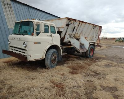 1981 C8000 Ford Feed Truck (3208 Cat, Allison Auto)