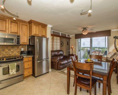 Beautifully Updated Interior, 8th Floor, Stunning View, Close Walk To Beach, Free Parking, Free Wifi - Bonita Springs