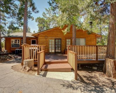 Homey, dog-friendly cabin w/ large deck surrounded by forests - Pine Cove