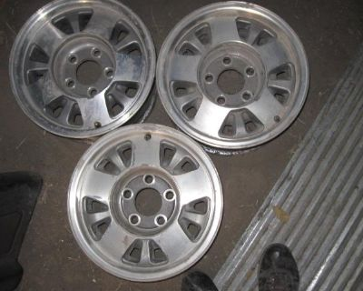 Chevy truck wheels fit 1988-1998 1/2 ton models.