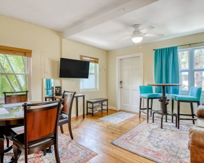Colorful Cottage w/Shared Pool, Central AC, WiFi, Washer/Dryer - Dog-Friendly! - Historic Seaport