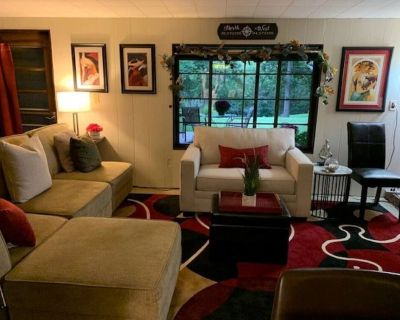 DELIGHTFUL PATIO APARTMENT IN SOUTH KC - South Kansas City