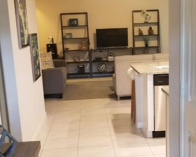 Private room with shared bathroom - Austin , TX 78744
