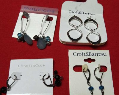 Earrings lot Pick up only Bacliff Tx 77518