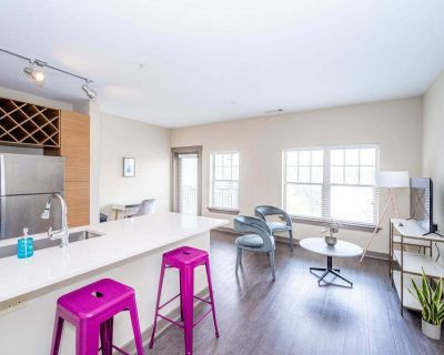Urban 1BR in Uptown Area Balcony Pool and Gym - Fourth Ward