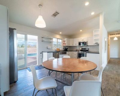 Desert Modern Home 3-Bed 2-Bath w/Pool & Game Room - Yucca Valley