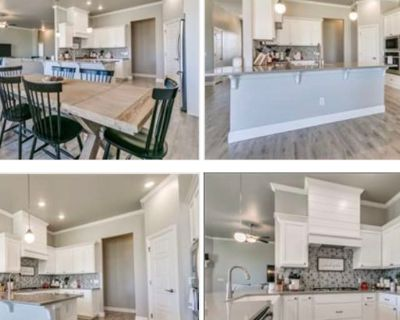 Private room with shared bathroom - Norman , OK 73072