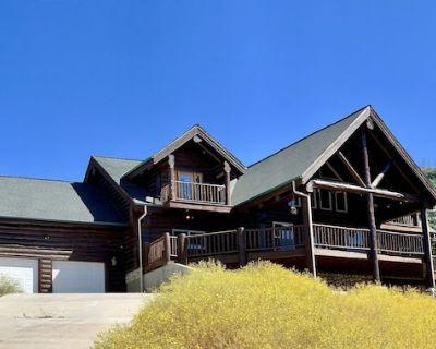 Sahari Lodge - Luxury Estate on 62 ac, Gorgeous Pool & Spa, MTN Views, Yosemite - Mariposa