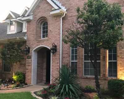 Private room with shared bathroom - Grapevine , TX 76051