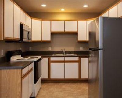 591 High Ridge Dr, Hudson, WI 54016 3 Bedroom Apartment