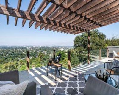 11458 Laurelcrest Rd, Los Angeles, CA 91604 4 Bedroom Apartment