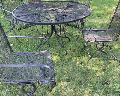 Patio table and chairs!