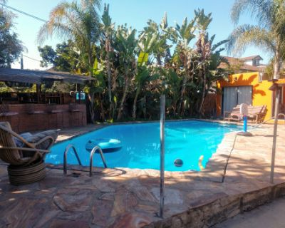 Amazing Spacious Private Pool Oasis in Silver lake, los angeles, CA