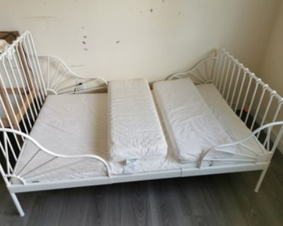 Extendable kid king single bed and matress