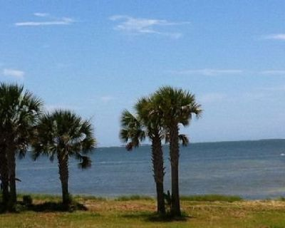 Blissful Bayfront Cottage - Fantastic Waterfront Cottage on St. George Sound-GREAT FISHING