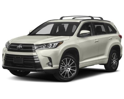 Pre-Owned 2017 Toyota Highlander SE FWD Sport Utility