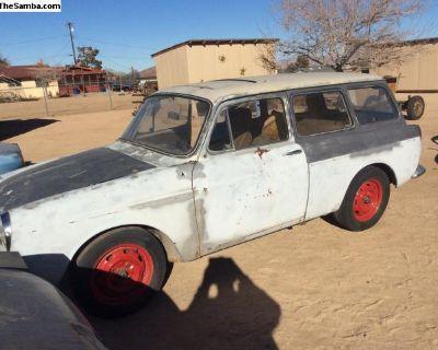 1968 Squareback. Sunroof Car